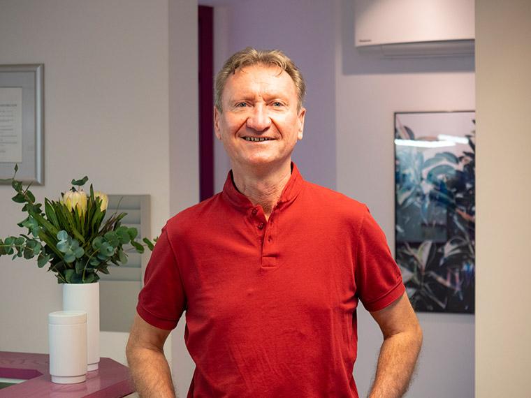 Zahnarzt Dr. med. dent. Günther Herzog